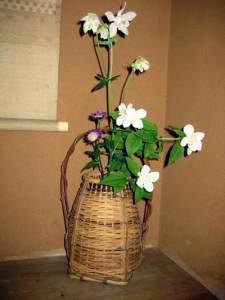 産女観音 玄関の花